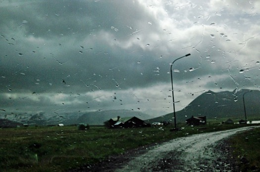 Island Im Regen web .jpg